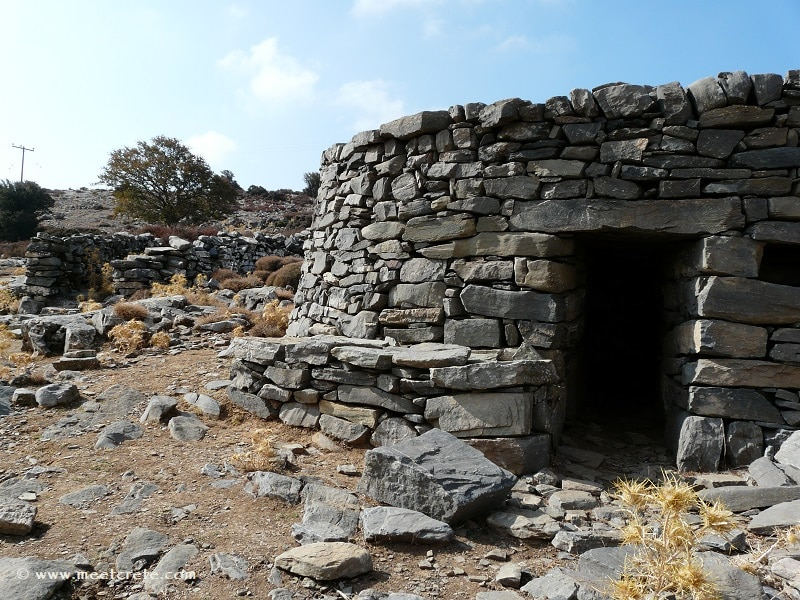 Mitato (or Kumos) - the shepherd's hut in the mountains of Crete